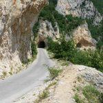 motorradstrecke-in-stein-gemeiselt